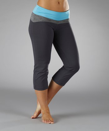 Aquarius Contoured Capri Pants