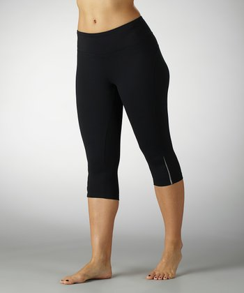Black Beta Capri Leggings