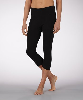 Black Slimming Capri Pants