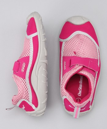 Fuchsia Stay-Put Adjustable Swim Shoe