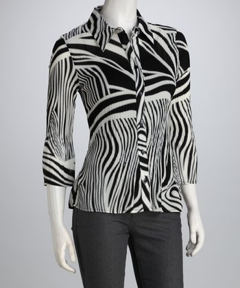 Black & White Abstract Pleated Button-Up