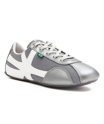 Gray & White Cinza Sneaker - Women