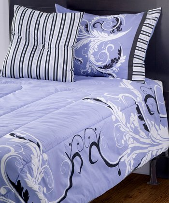 Blue Filigree Quilt Set