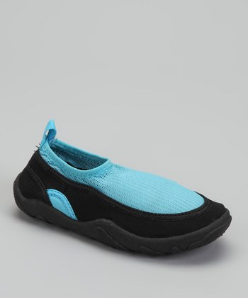 Skadoo Light Blue Aqua Socks