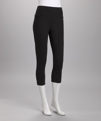 Black Shaper Capri Leggings - Women