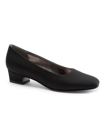 Trotters Black Silk Doris II Pump