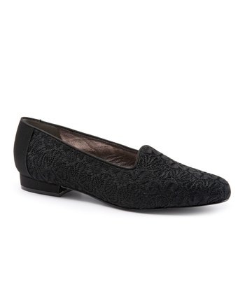 Trotters Black Liz II Loafer