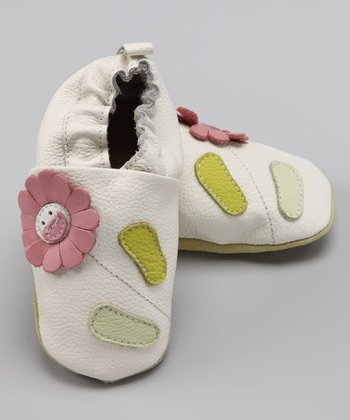 Wuggie Bear White Flower Booties