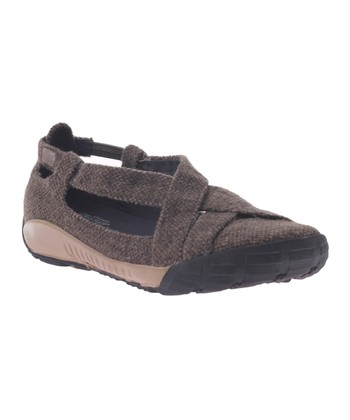 Chestnut Adventure Shoe
