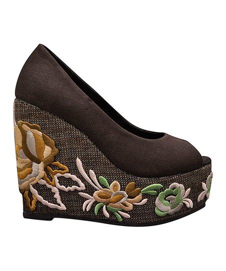 Brown Embroid Wedge