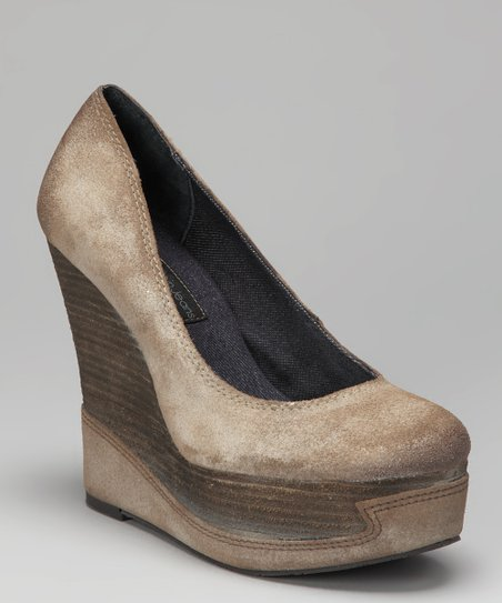 Taupe Berry Platform Wedge Pump