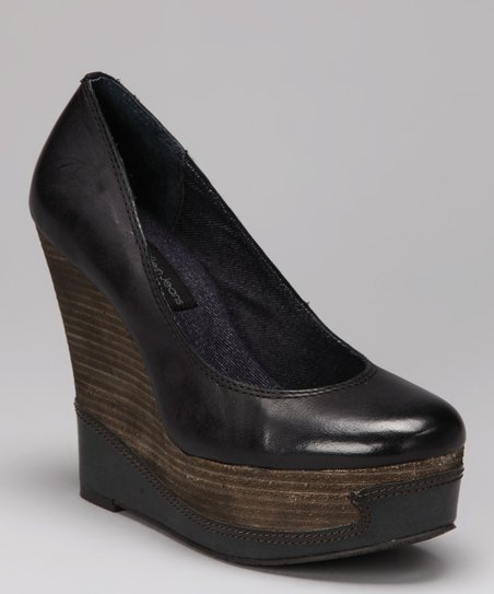 Black Berry Platform Wedge Pump