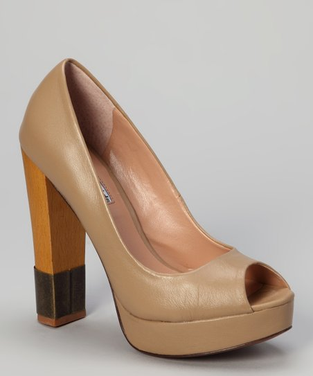 Latte Divine Peep-Toe Pump