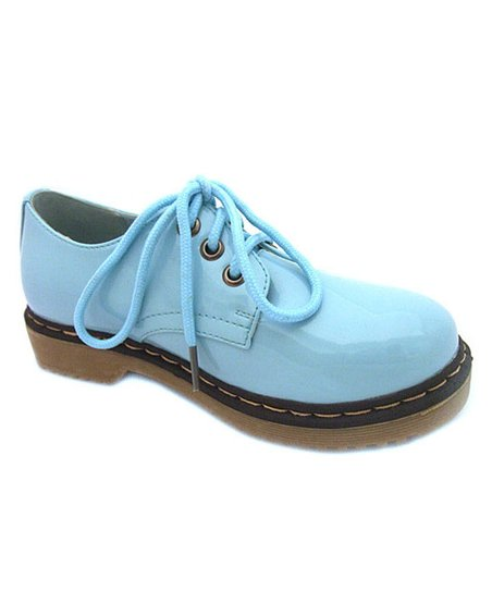 Mint Patent Three-Hole Lace-Up Shoe