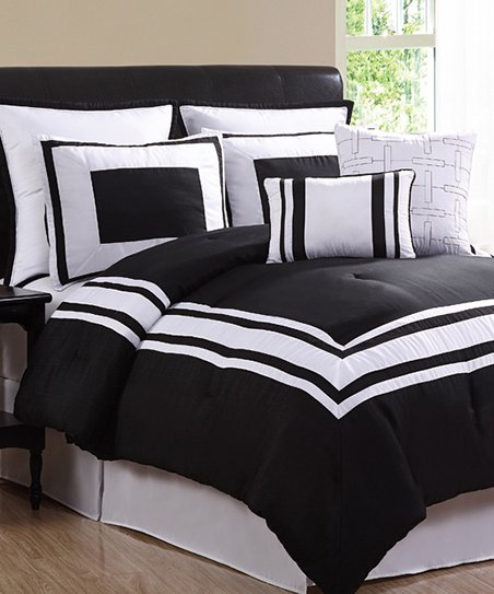 Black & White Singapore Comforter Set