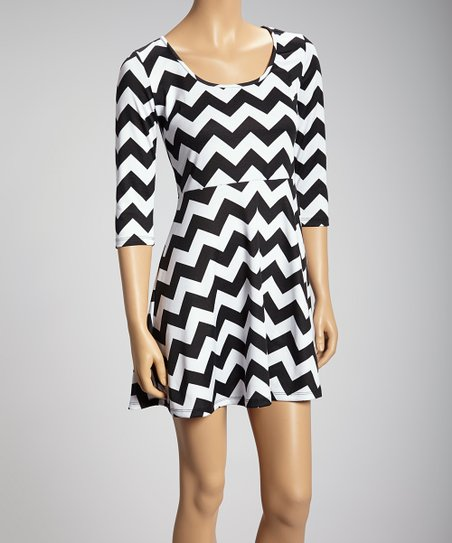 Black & White Zigzag Three-Quarter Sleeve Dress