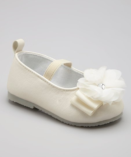 Cream & White Flower Flat