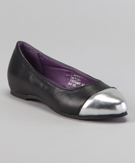 Black Cap-Toe Flat