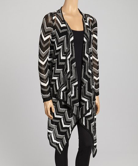 Black & White Zigzag Open Cardigan - Women