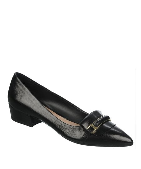 Black Embrace Pump