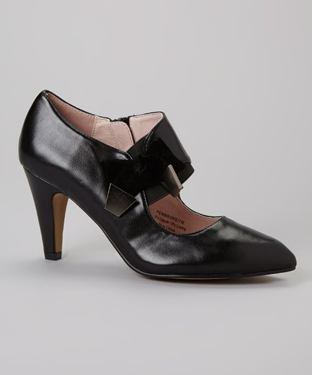 Black Pembroke Pump