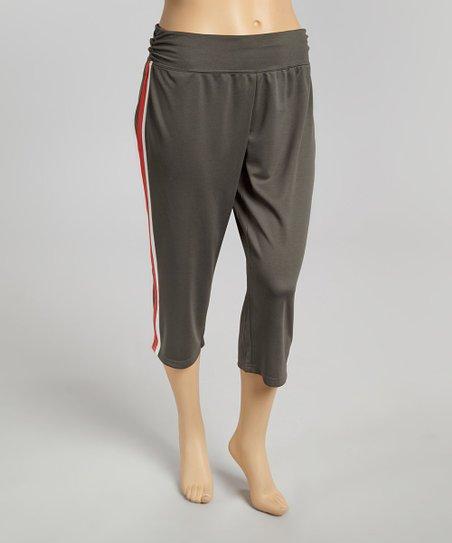Ash & Red Open Season Capri Yoga Pants - Plus