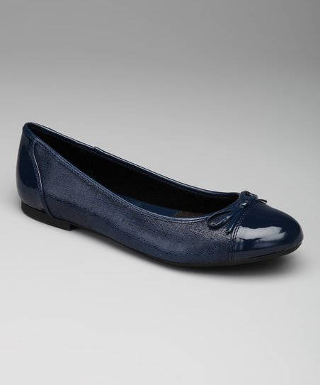 Navy Embossed Beale Flat
