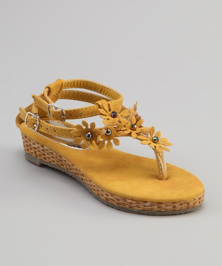 Sweet Girl Yellow Pie Sandal