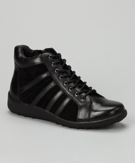 Black Leather Motion Sneaker