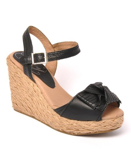 Black Leather Spunky Sandal