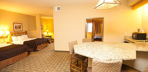 Waterpark & Premium Suite Deal, Pocono Mtns, PA: Sun-Thu